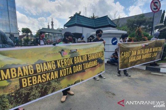 KMS Kaltim demo Minta Hentikan Virus Tambang