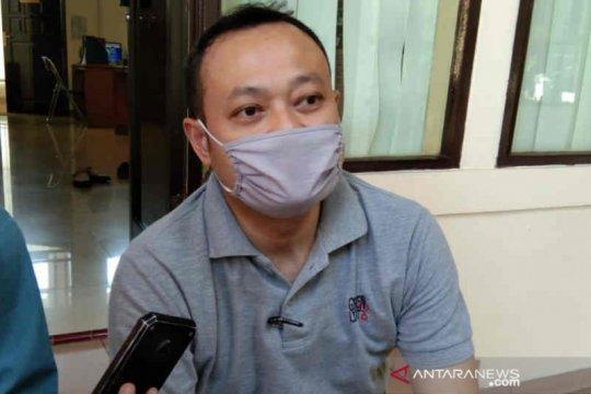 Bayi 50 hari di Cirebon positif COVID-19 setelah diajak hadiri hajatan