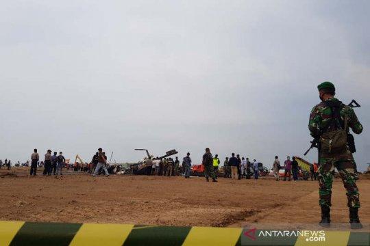 Enam orang sempat menyelamatkan diri dari heli yang jatuh di Kendal
