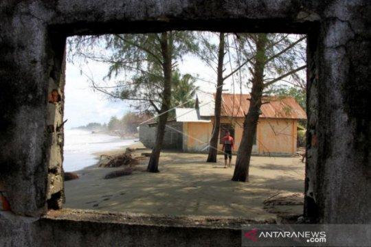 Banjir rob rendam 10 unit rumah di Meulaboh Aceh Barat