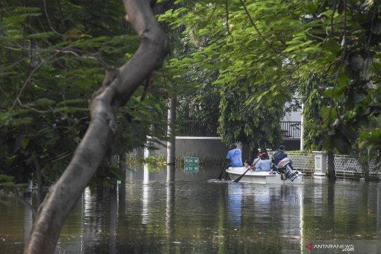 Banjir rob di Pantai Mutiara Jakarta