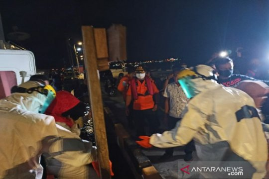 14 wisatawan dievakuasi dari kapal bocor di Kolaka