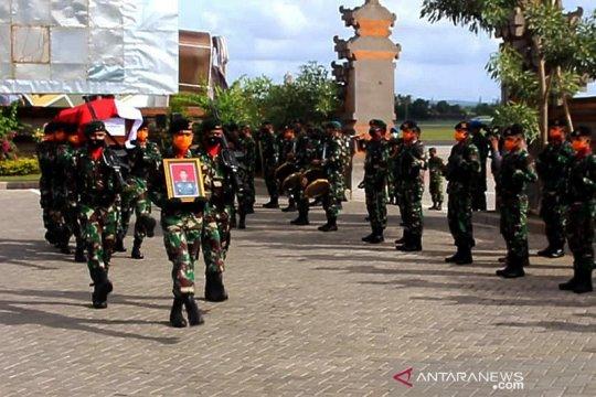 Jenazah anggota TNI korban heli Mil Mi-17V5 jatuh tiba di Bali
