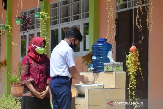 Sekda Gorontalo Utara pantau simulasi normal baru di sekolah