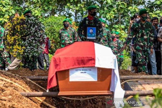 Pemakaman korban jatuhnya helikopter MI-17 di Kendal