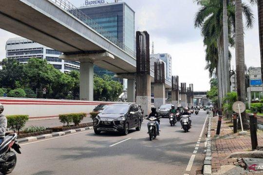 Arus lalu lintas di Jaksel meningkat di hari pertama masuk kantor