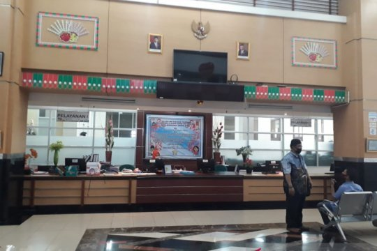 Kantor PTSP Jakarta Barat buka layanan pada masa PSBB transisi