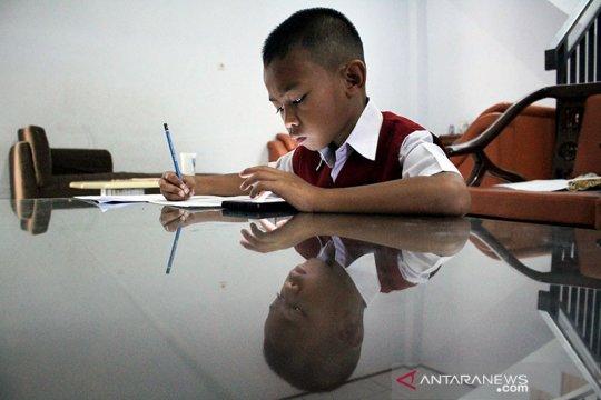 Pemerhati: Guru perlu pendekatan berbeda untuk proses belajar daring