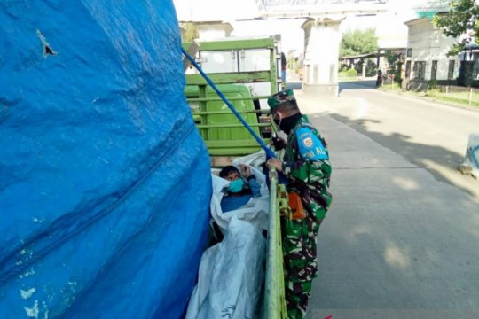 "Lanal Denpasar gagalkan orang masuk bak truk agar ""lolos"" di Gilimanuk"