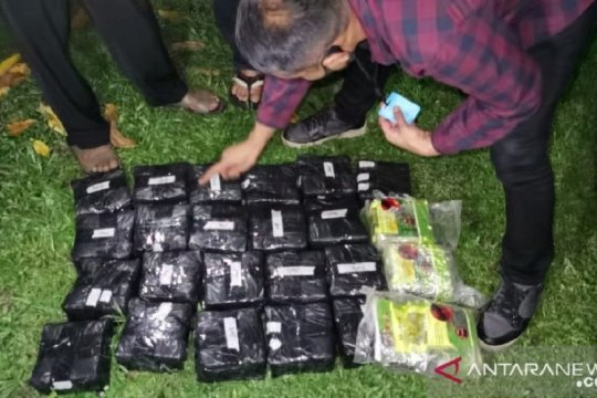 Polda Riau bongkar sindikat narkoba dengan bukti 24 kg sabu-sabu