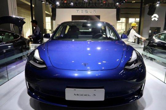 Tesla Model 3 terjual belasan ribu unit dalam sebulan di China