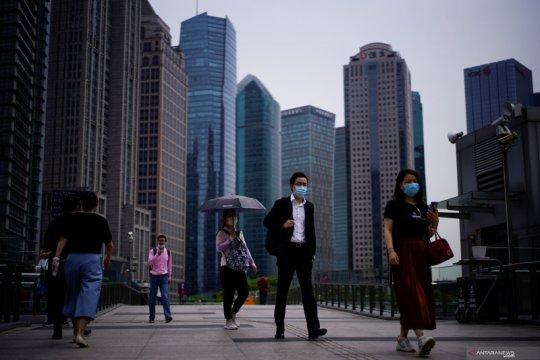 China pangkas daftar negatif investasi asing