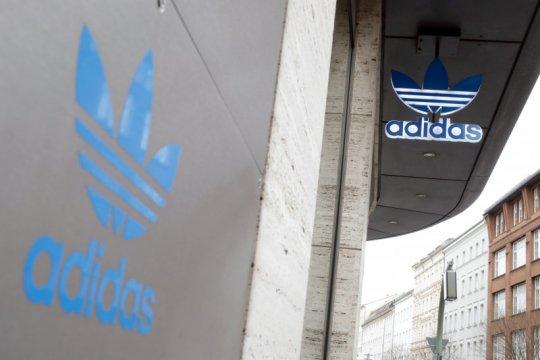 Waspada hoaks Adidas bagi-bagi sepatu gratis!