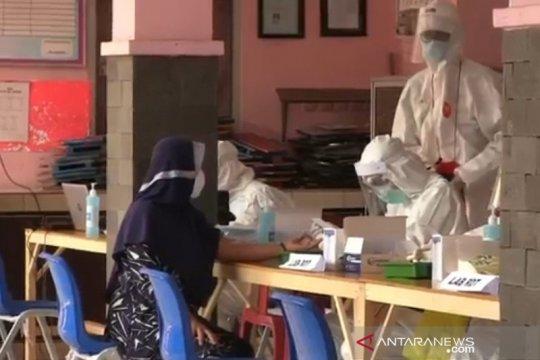 Johar Baru gelar tes cepat COVID-19 di Kelurahan Kampung Rawa