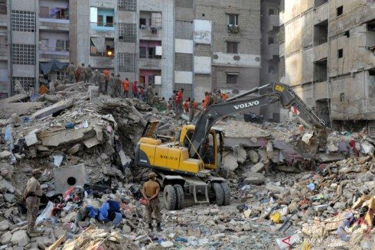 Bangunan runtuh tewaskan 13 orang di Pakistan