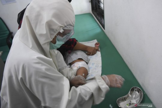Vaksinasi anak saat pandemi COVID-19