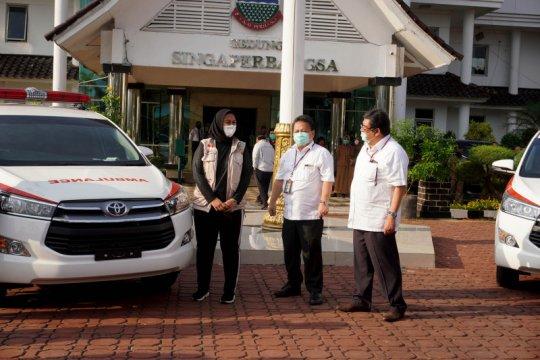Toyota sumbang dua Innova dan APD untuk Pemda Karawang