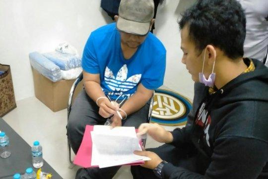 KPK fasilitasi penyerahan tersangka korupsi alkes RSUD Padang
