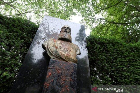 Patung Raja Leopold II di Brussels dicopot oleh aktivis