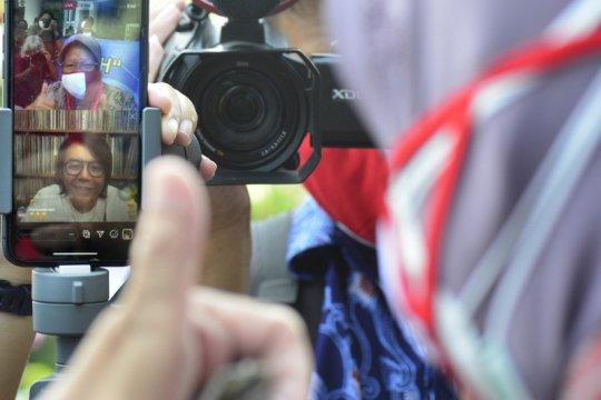 Ari Lasso bantu 10 ribu masker merah putih di Surabaya