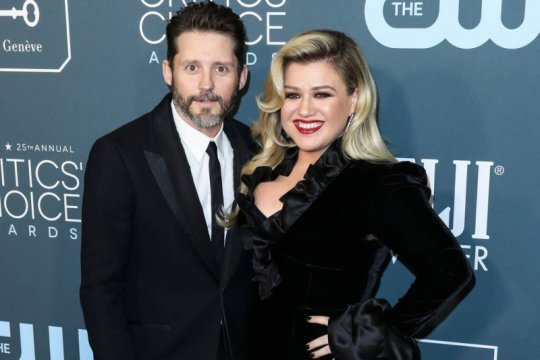 Kelly Clarkson ajukan gugatan cerai