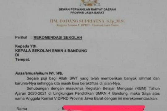 Anggota DPRD Jabar pembuat surat rekomendasi siswa baru, minta maaf