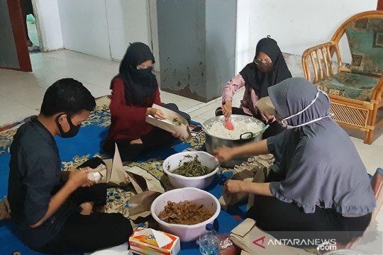 Warga berinisiatif dirikan dapur umum dan posko bagi korban banjir