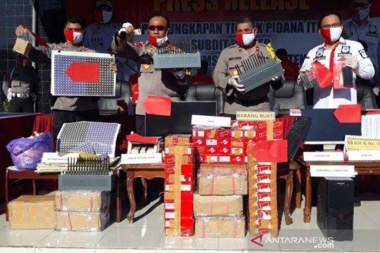 Polda Kalteng tangkap peregistrasi kartu perdana secara ilegal