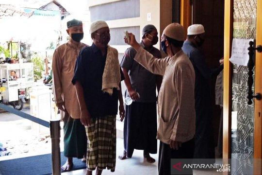 """Masjid Baiturrahman Denpasar laksanakan """"Jumatan Normal Baru"""""""