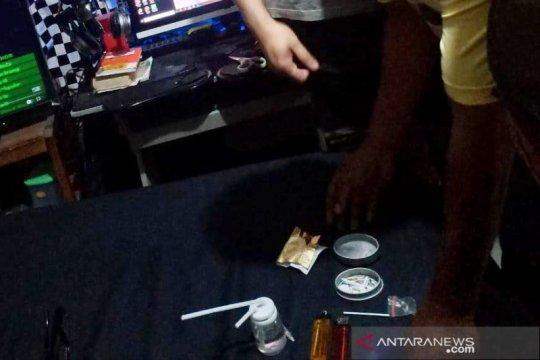 Kemarin, Jerry Lawalata tersangka narkoba hingga Anies ingatkan PSBB