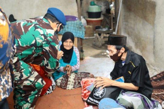 Solidaritas alumni AKABRI 89 gelar baksos ke warga tak mampu di Bogor