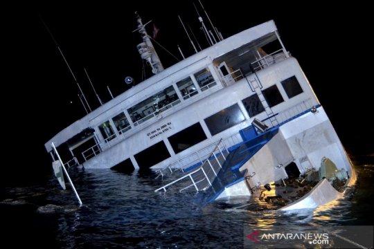 Lambung kapal bocor, KMP Dharma Rucitra hampir tenggelam di Padangbai