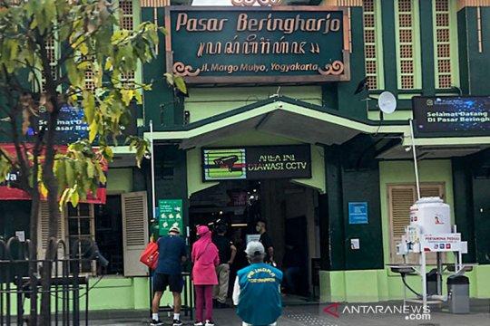 Aktivitas jual beli batik di Pasar Beringharjo perlahan bangkit