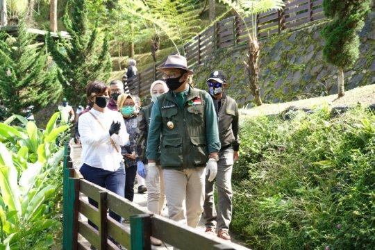 Gubernur Jabar minta pengelola wisata terapkan protokol kesehatan