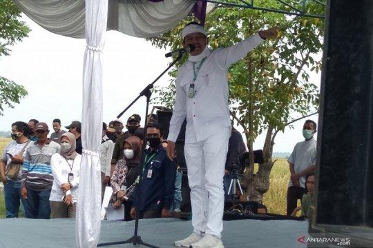 Aksi pungut sampah Dedi Mulyadi menuai pujian warganet