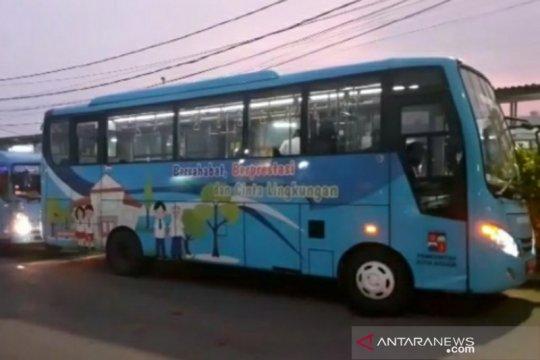 Antrean KRL panjang, Bima Arya: Bus bantuan Pemprov DKI jadi diminati