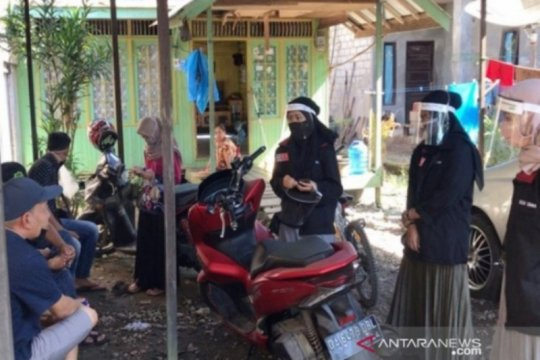 Mahasiswa PMM UMM buat face shield bagi relawan COVID-19