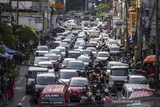 Kemacetan di jalanan Bandung saat penerapan PSBB proporsional