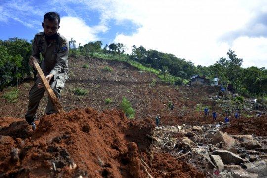 Pencarian hari ketiga korban tanah longsor di Jeneponto