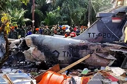 Pesawat tempur Hawk jatuh, pilot selamat