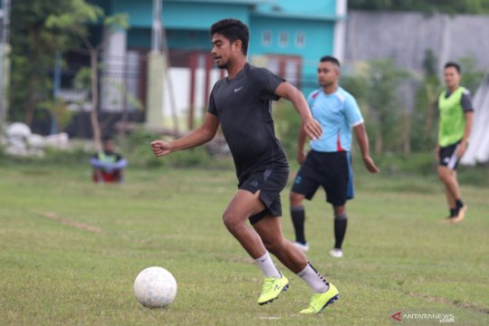 Pemain Persik Kediri berlatih secara mandiri