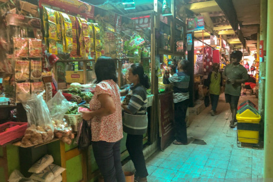 Pengunjung pasar tradisional di Yogyakarta anjlok hingga 75 persen