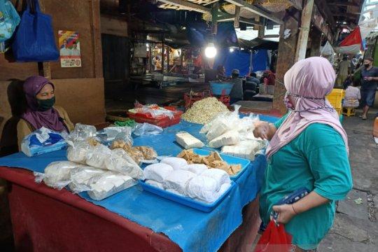 Pasar Rawa Kerbau mulai terapkan kebijakan ganjil genap hari ini