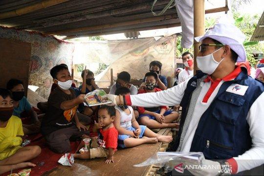 Relawan Indonesia Bersatu salurkan bantuan sosial untuk nelayan