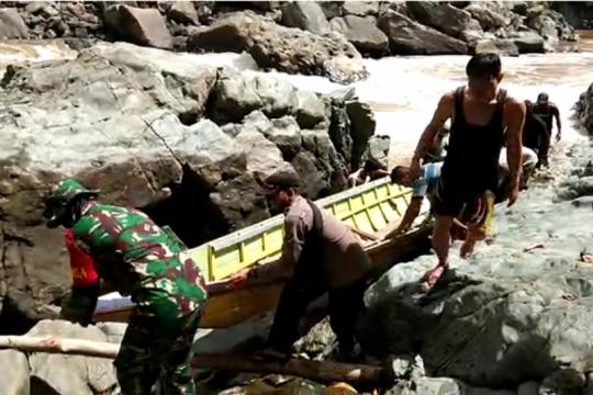 Di pedalaman hulu Sungai Kapuas-Kalbar, normal baru disosialisasikan