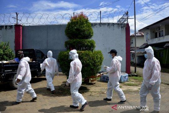 Positif COVID-19, tahanan batal masuk lapas di Riau