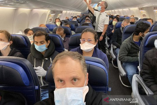 Maskapai di AS ancam larang penumpang naik jika tolak pakai masker