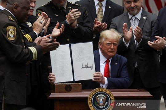 Trump teken surat perintah terkait reformasi kepolisian
