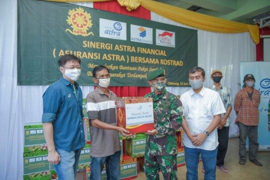 Asuransi Astra bagikan 1.000 paket sembako