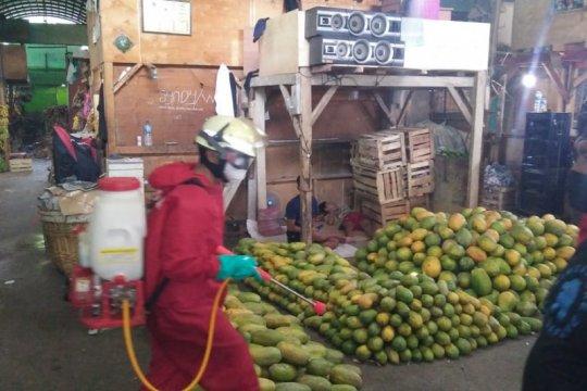 Pasar Kramat Jati kerahkan petugas sisir pelanggar PSBB